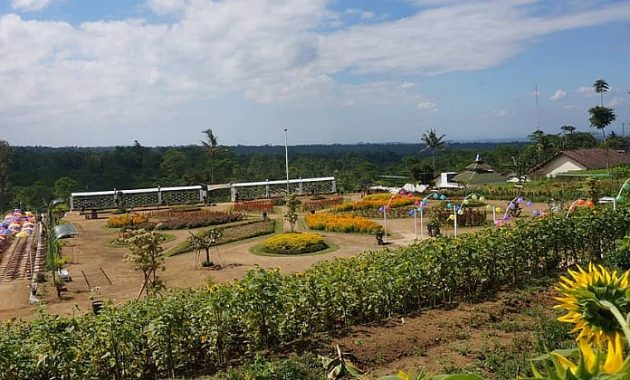 Taman Sitinggil Garden